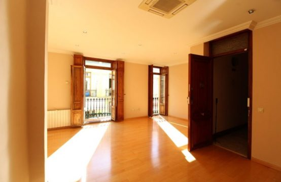3 bedroom flat for sale in the downtown of Valencia