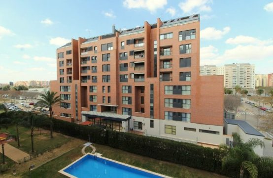 3 bedroom flat for sale in Nou Campanar, Valencia