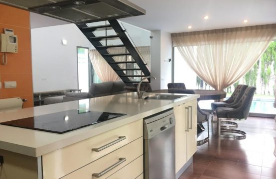 Detached house in La Cañada, Valencia