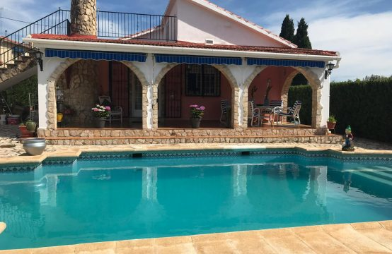 Detached house in Playamonte – 200.000€